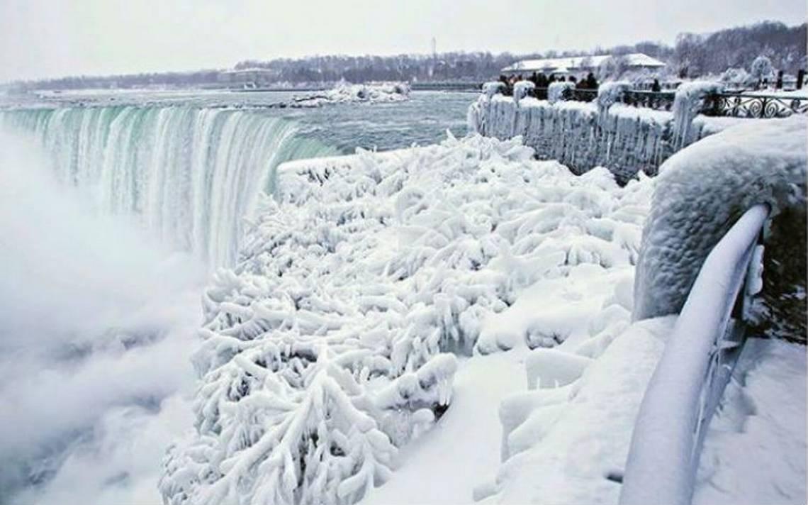 [Fotos] Se congelan las cataratas del Niágara