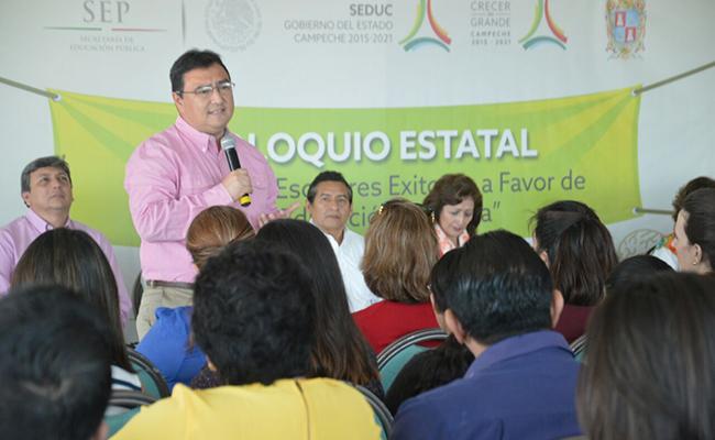 Inauguran coloquio educativo en Campeche