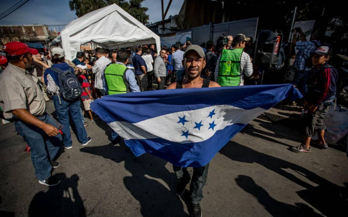 Caravana migrante alista trA?mites de asilo en EU