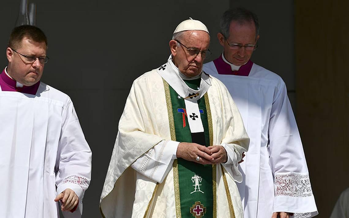 Papa Francisco pide perdón a víctimas de abusos sexuales por sacerdotes en Chile