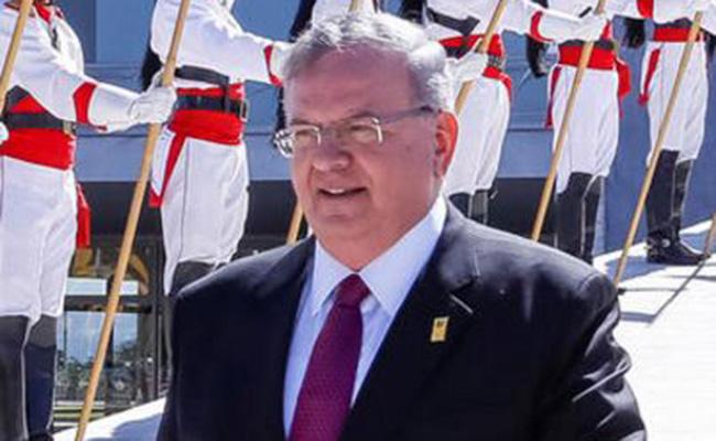 Esposa de embajador griego principal sospechosa de su homicidio