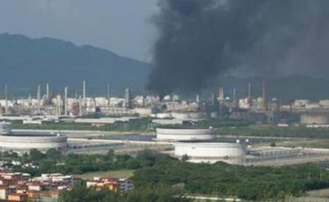 Se registra explosión en la Refinería Antonio Dovali Jaime