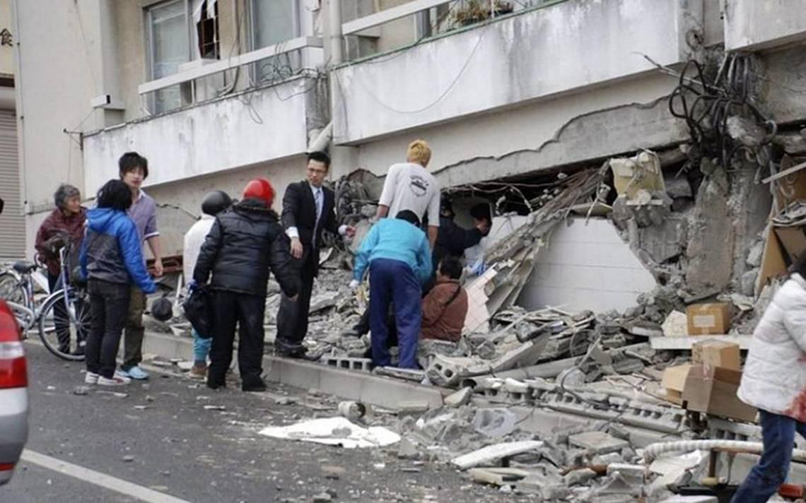 Aumentan a cuatro los muertos por sismo en Japón; la alerta continúa