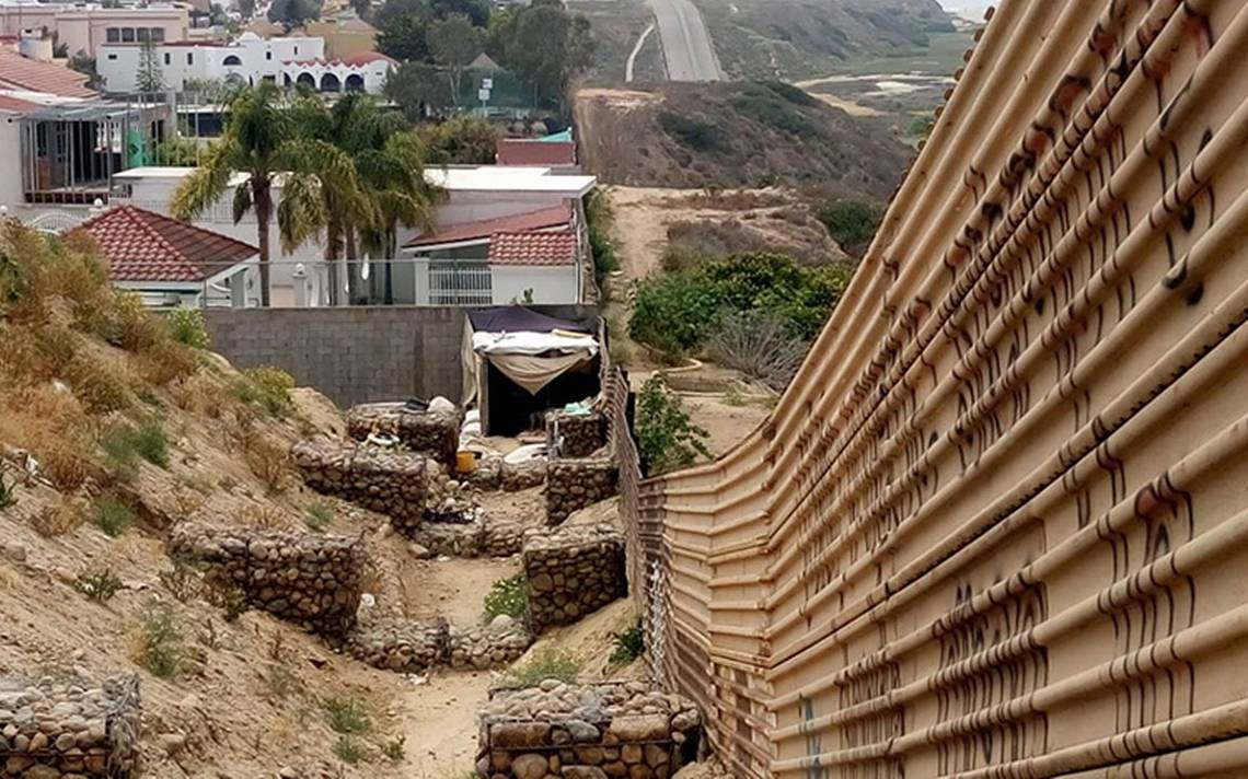 Analizan futuro de viviendas en la frontera que estorban para nuevo muro