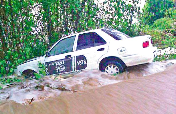 Se desbordan dos ríos en la sierra de Tabasco