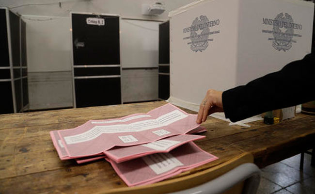 Italia vota referéndum que definirá futuro político del país
