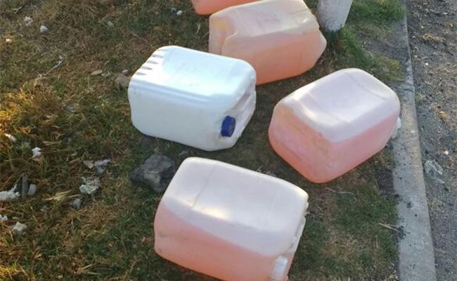 Abandonan garrafas de gasolina dudosa en Puebla
