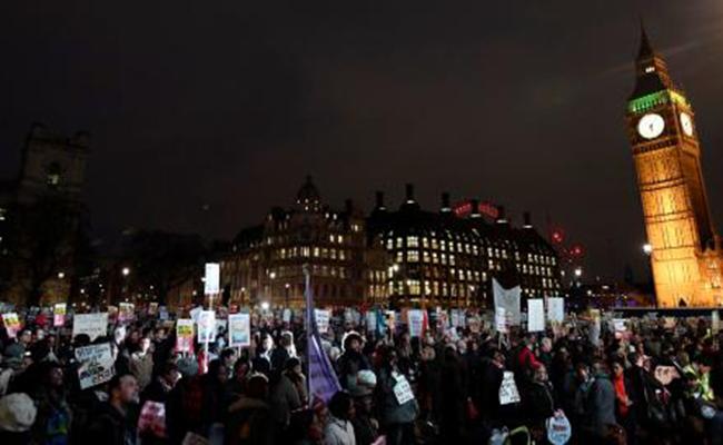 Rechaza gobierno británico en el Parlamento vetar la visita de Trump