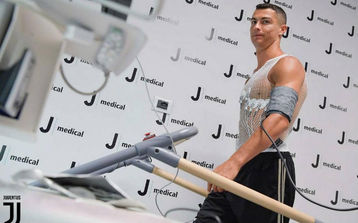 Cristiano Ronaldo pasa reconocimiento médico con la Juventus