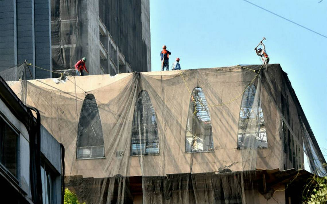 [Fotos] Inicia demolición de edificio en Génova 33 en la Zona Rosa