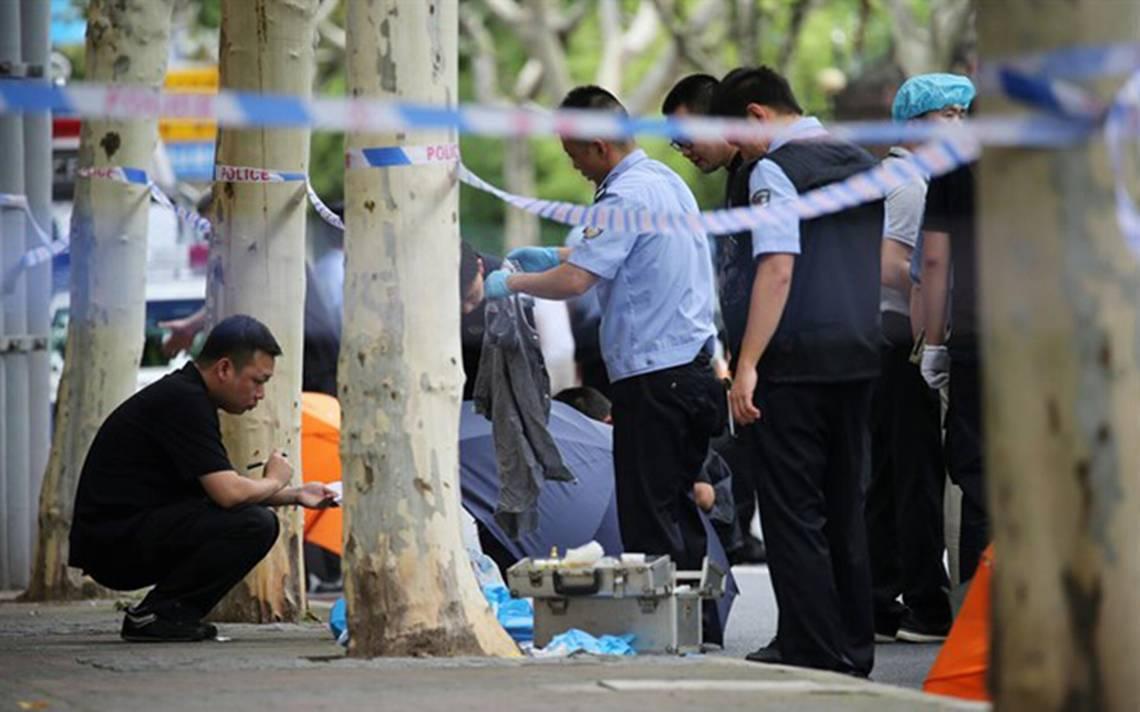 Asesinan a dos niños en la entrada de su escuela en Shanghai