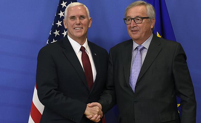 """No es momento de """"dividir"""" a la UE y EU, dice Juncker a Pence"""