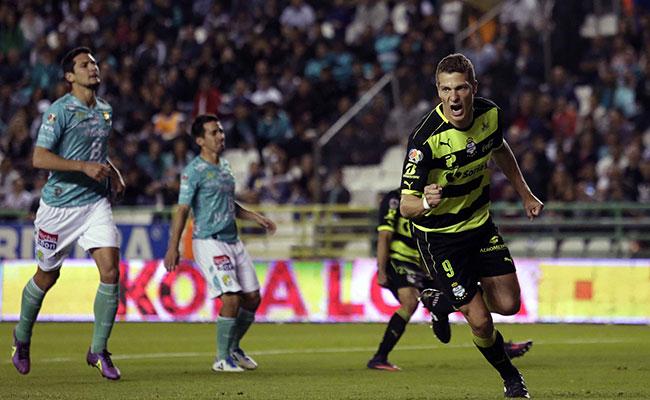 Leon empata en casa ante Santos 2-2