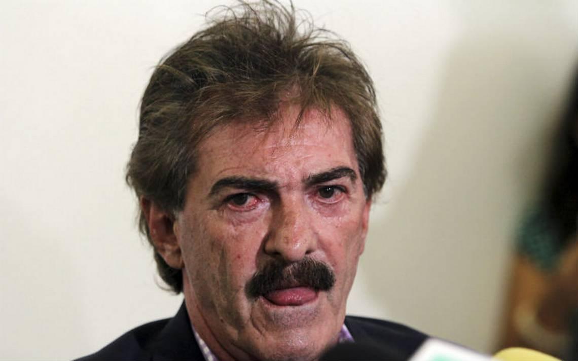 Juez frena detención de La Volpe por caso de podóloga