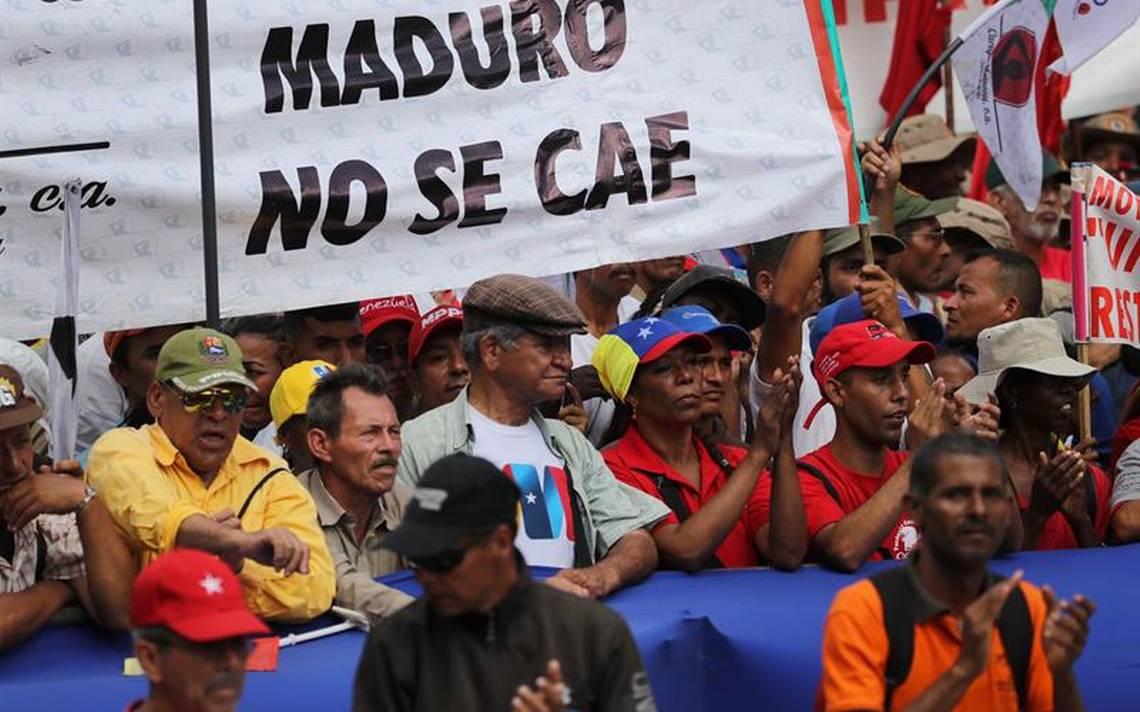 """""""Maduro no se cae""""; dicen manifestantes en apoyo al mandatario tras atentado"""