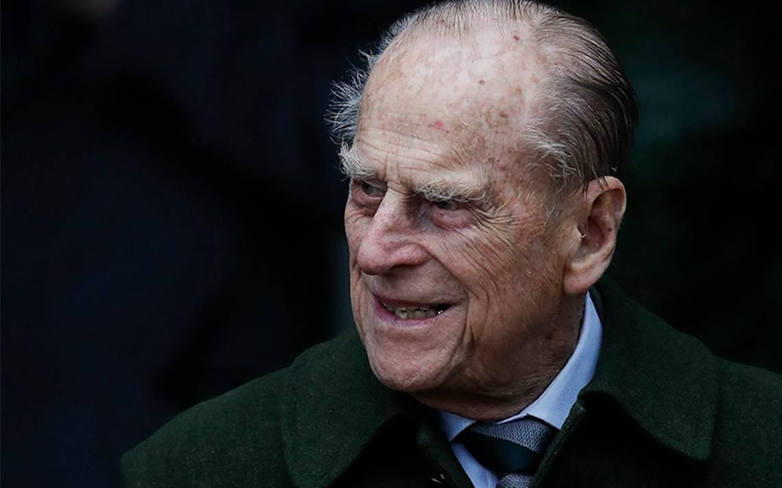 Duque de Edimburgo abandona el hospital tras cirugía