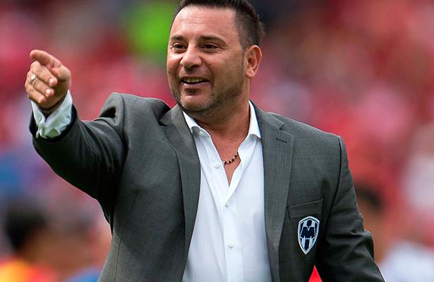 Mohamed vuelve al Azteca, ahora como técnico de los Rayados