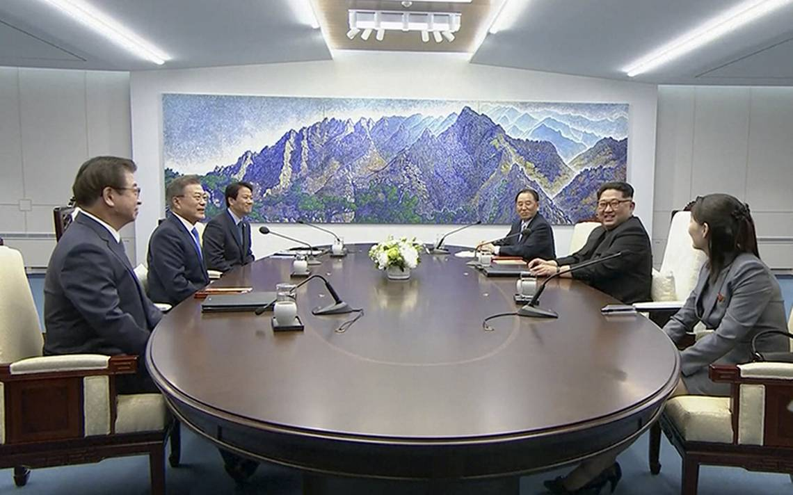 Tras histA?rica uniA?n, comienzan conversaciones de la cumbre entre Coreas