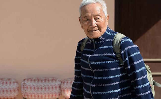 Nepalí de 85 años quiere reconquistar el Everest