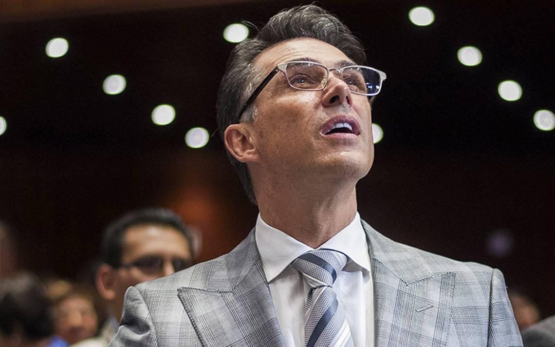 Sergio Mayer denuncia campaA�a de desprestigio en hackeo de sus redes