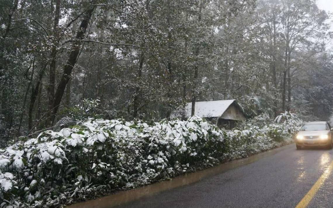 Temperaturas de hasta 2 grados centígrados dejan con nieve municipios de Sierra Alta y Sierra Gorda