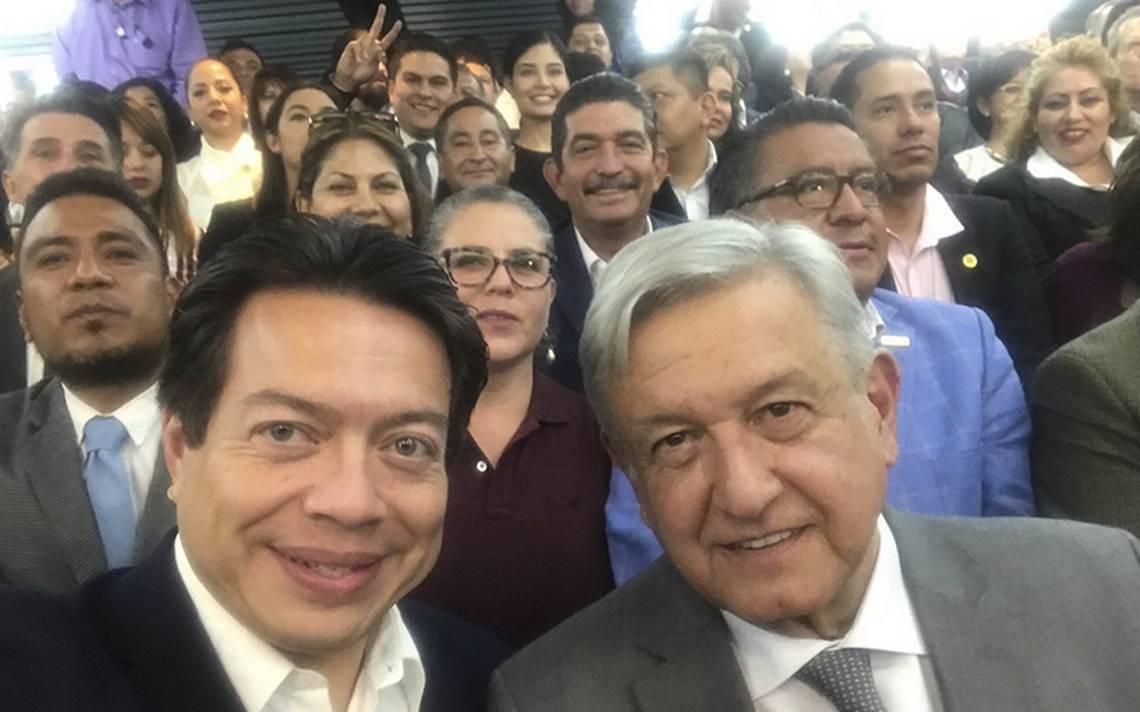 """AMLO alista """"cuarta transformación del país"""" con diputados de Morena"""