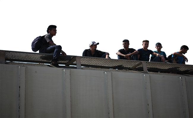 Ante restricciones de ingreso a EU, braceros buscan nuevos destinos