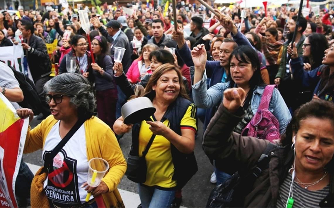Inician 350 mil maestros paro nacional de 48 horas en Colombia