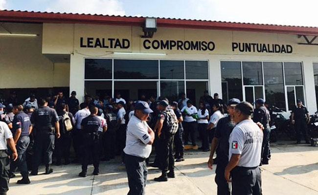 Paran labores policías de Juchitán de Zaragoza