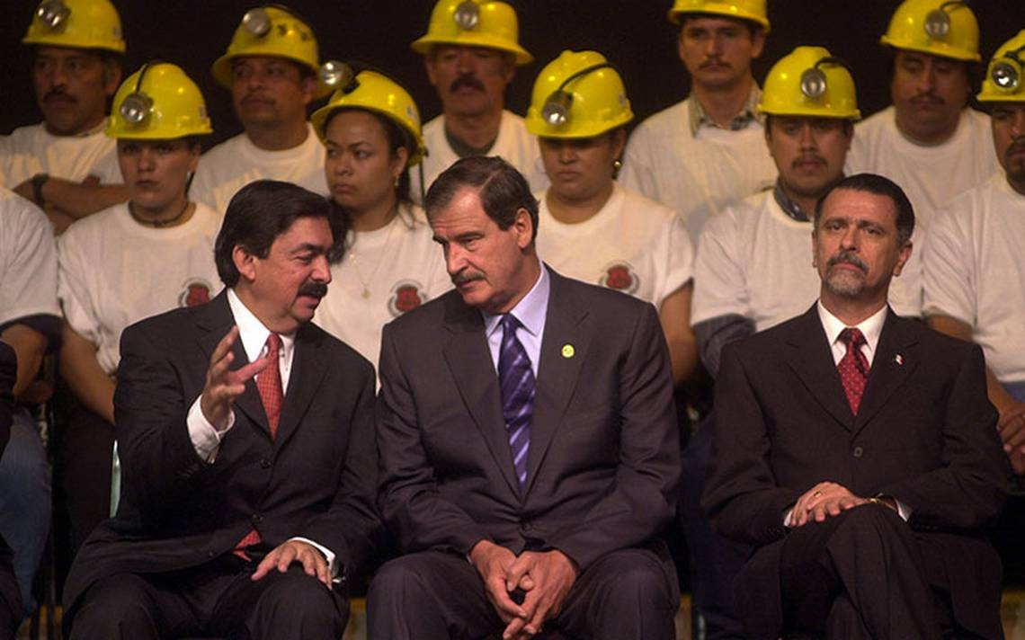 Nunca he traicionado a los mineros, afirma Gómez Urrutia en su regreso a México por la puerta grande