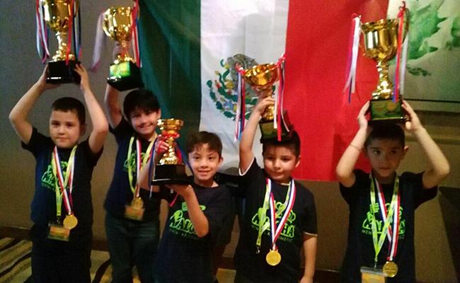 Niños mexicanos ganan campeonato de cálculo mental en Malasia
