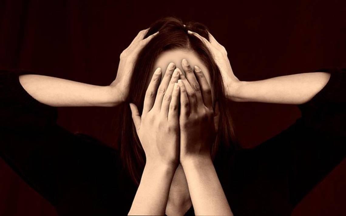 El estrés vaya que sí rompe el corazón de las mujeres, según especialistas