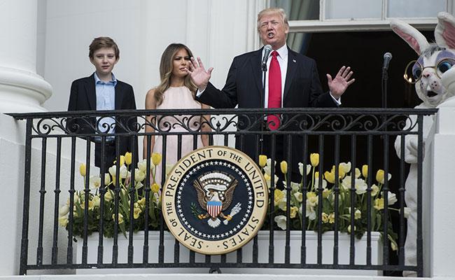[Video] Melania regaña a Trump en festejos de Pascua