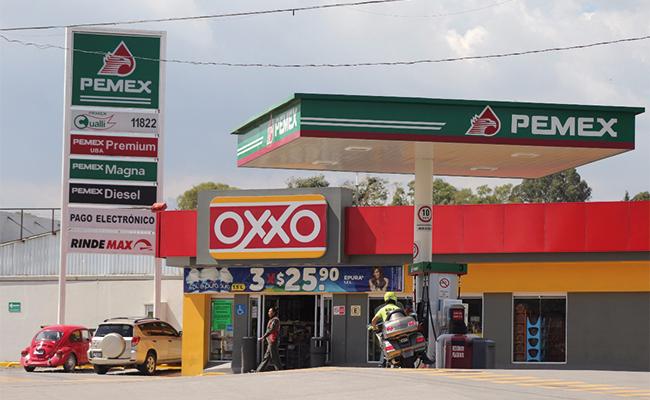Usa el sistema de transporte público gasolina robada