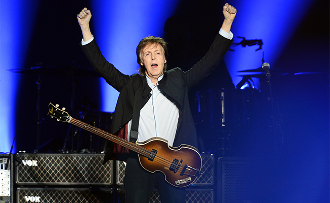 Paul McCartney demanda a Sony por derechos de los Beatles
