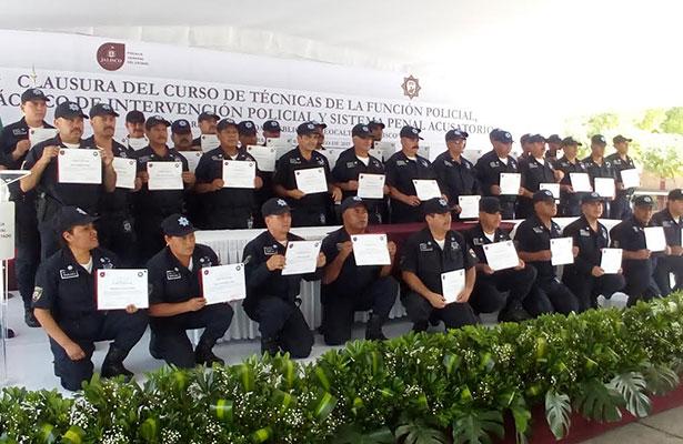 Regresan policías de Teocaltiche a su municipio