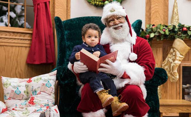 Centro comercial contrata por primera vez a un Santa Claus negro