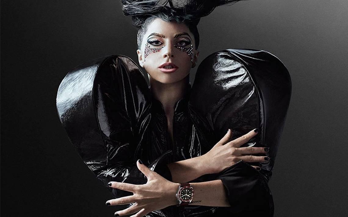 La cantante Lady Gaga pospone su gira por toda Europa