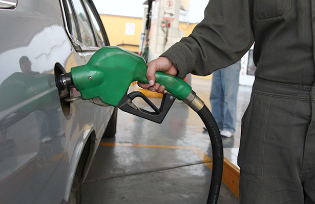 Hacienda presentará fórmula que establecerá precios de gasolina, adelanta CRE