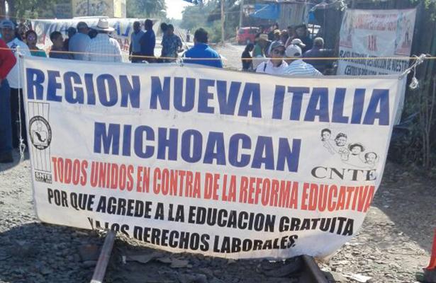 Falla operativo de desalojo en Michoacán