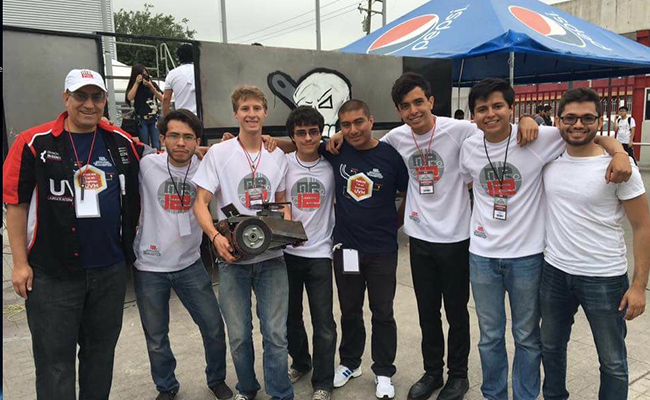 Estudiantes de Toluca participarán en Guerra de Robots durante concurso de Minirobótica