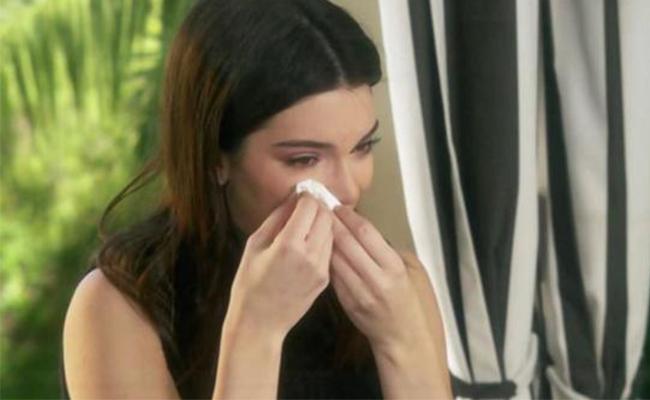 Kendall Jenner devastada tras escándalo por anuncio de Pepsi