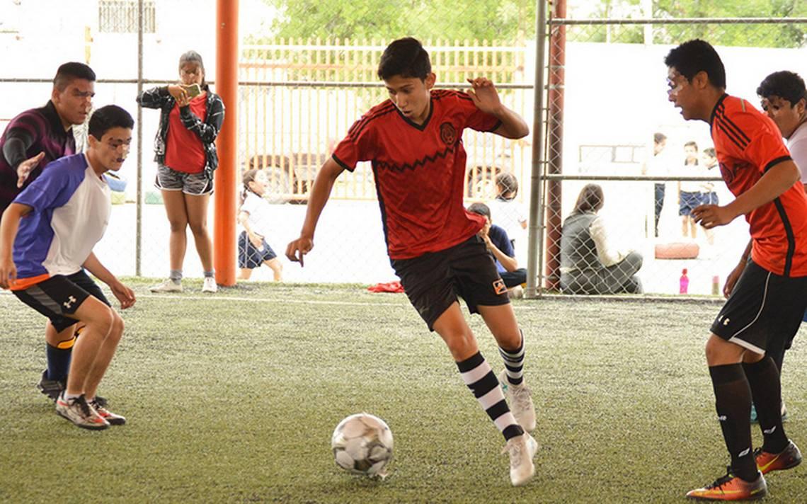 Fuego cruzado en Tamaulipas cobra la vida de futbolista mexicano y su madre