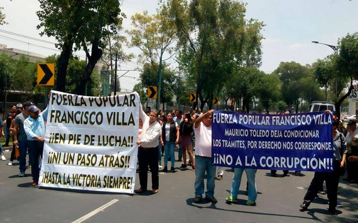 Manifestantes bloquean avenida Tlalpan; piden soluciones a Mauricio Toledo