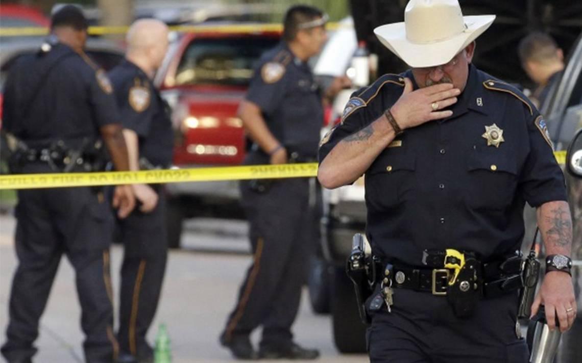 Policía de Texas encuentra a 88 inmigrantes indocumentados en un tráiler