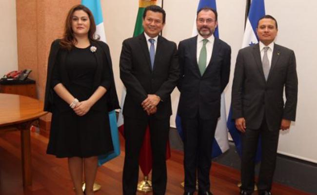 Videgaray se reúne con cancilleres del Triángulo Norte por política de EU