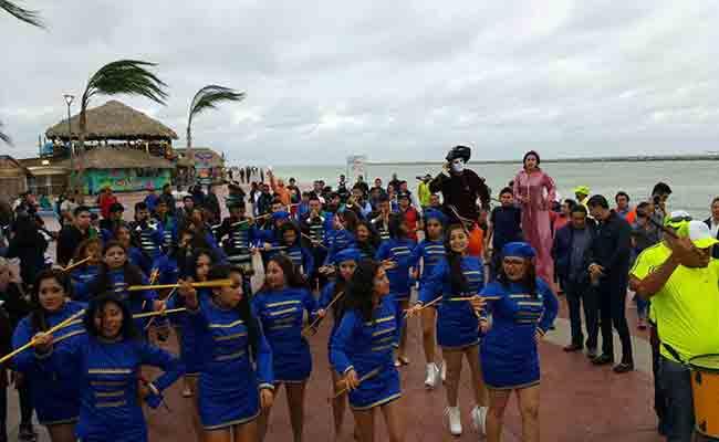 """Ambiente de fiesta con Carnaval """"Playa Miramar 2017"""""""