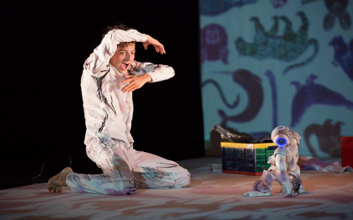 La ciencia y el arte juntos en la obra 'SAGA, el robot actuante'