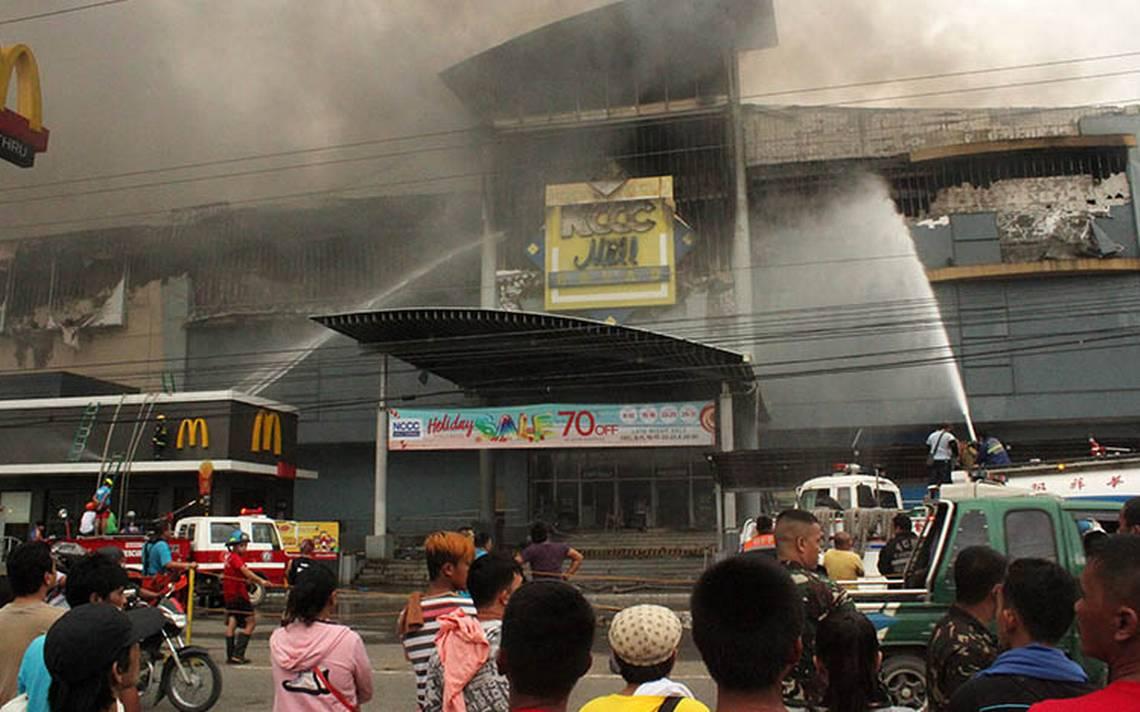 Al menos 37 muertos en incendio en un centro comercial de Filipinas