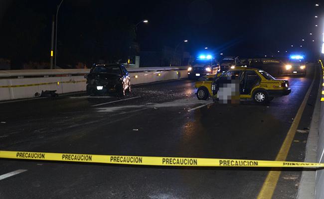 Menor mata a taxista por conducir en sentido contrario